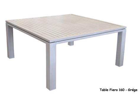 table carree 8 personnes jardin
