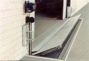 Garage Door Flood Barrier Garage Door Flood Barrier Wageuzi
