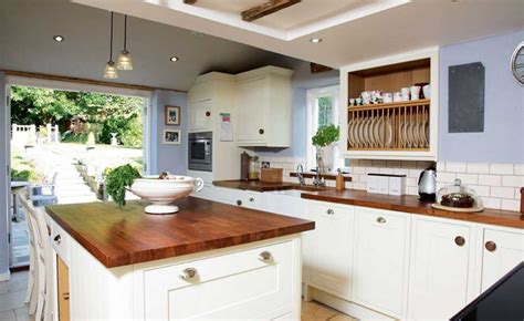 Pale Blue Kitchen Cabinets by 25 Country Style Kitchens Homebuilding Amp Renovating
