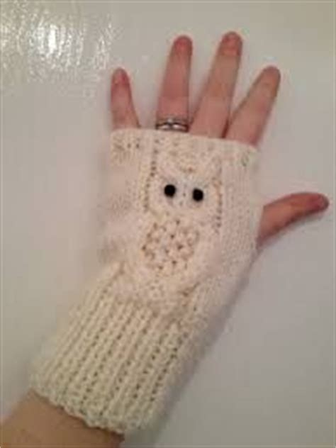 owl fingerless gloves knitting pattern 25 unique knitted owl ideas on knitted owl