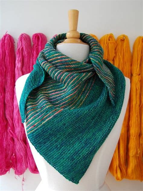 easy shawls to knit free patterns 17 best ideas about knit shawl patterns on