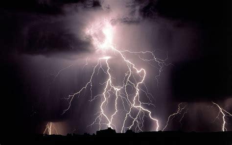 lightning bolt free hq lightning bolts wallpaper free hq wallpapers