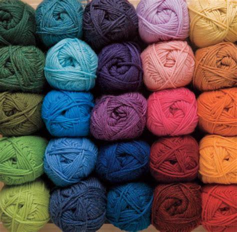 what is knitting yarn swish dk yarn knitting yarn from knitpicks superwash
