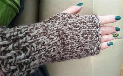chunky knit fingerless gloves pattern 48 knitting patterns for fingerless gloves guide patterns