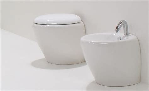 Bathroom Wall Design wc and bidet