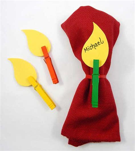 kwanzaa crafts for kwanzaa place cards craft crayola