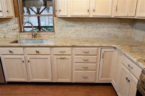 kitchen cabinets light granite best 20 photos light maple kitchen cabinets light