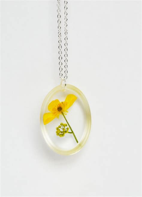 resin flowers for jewelry pressed flower resin jewelry real flower in resin