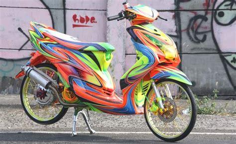 Modifikasi Mio Soul by Modifikasi Yamaha Mio Soul Cat Nge Brush Oto72