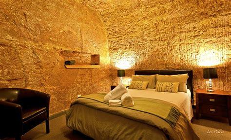 underground hotel the lookout cave underground motel deals reviews coober