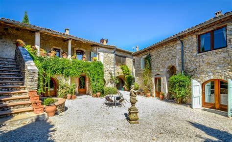maison 224 vendre en languedoc roussillon gard lussan magnifique ancien en proche