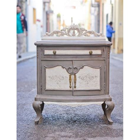 muebles pintados con chalk paint sloan mesita de noche pintada con linen y white de