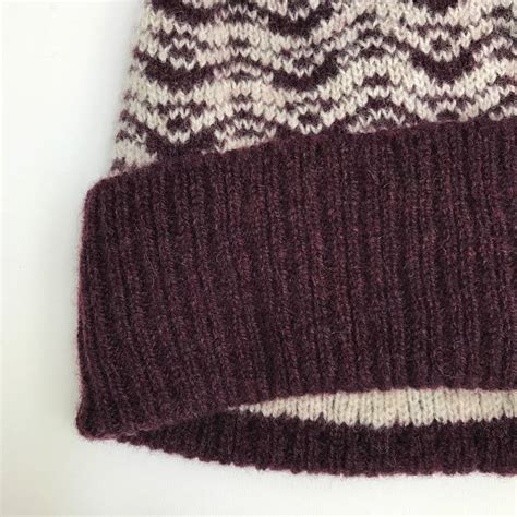 bobble hat pattern knitting lambswool knitted bobble hat ripples pattern by