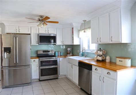 crown molding kitchen cabinets adding crown molding to your kitchen cabinets weekend craft