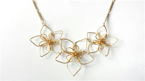 how to make wire jewelry pendants wire flower necklace 183 how to make a wire pendant