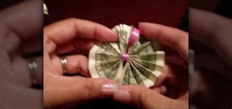 how to make an origami out of money how to origami money to make a hawaiian money 171 origami