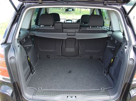vauxhall omega estate 1994 2003 photos parkers vauxhall zafira estate review 2005 2014 parkers