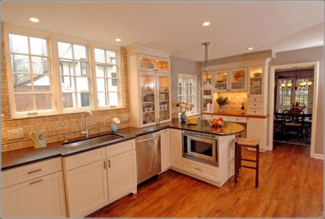 paint colors for maple cabinets in the kitchen kitchen kitchen paint color ideas maple cabinets 2320
