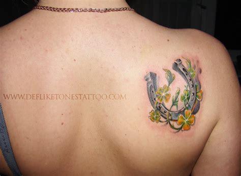 art and tattoo horseshoe