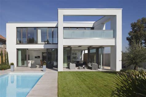 moderne villa moderne villa im mediterranen stil roomido