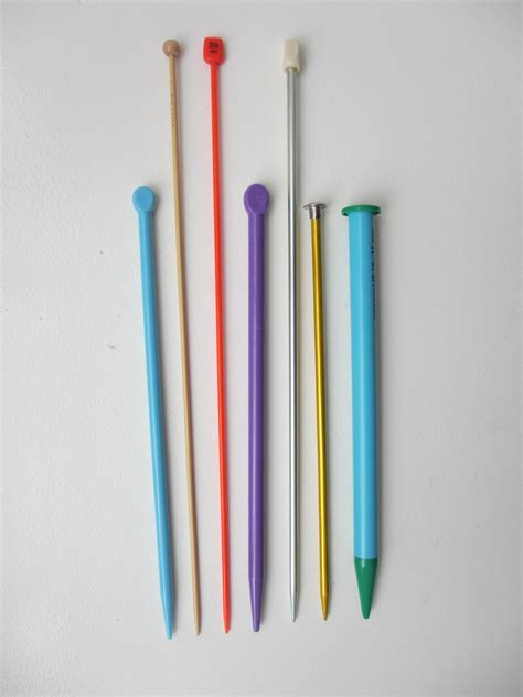 how to knit in the with needles get to the different types of knitting needles