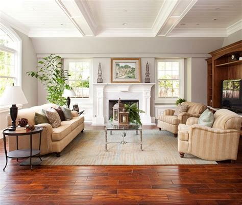 paint colors for living room with wood floors 25 best ideas about cherry wood floors on