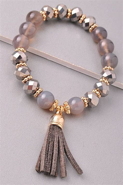 a better place to bead 25 best ideas about beaded bracelets on diy
