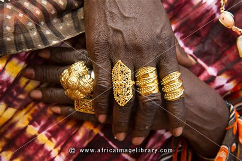 how to make a lightbox for photographing jewelry photos and pictures of gold jewellery banjul the gambia
