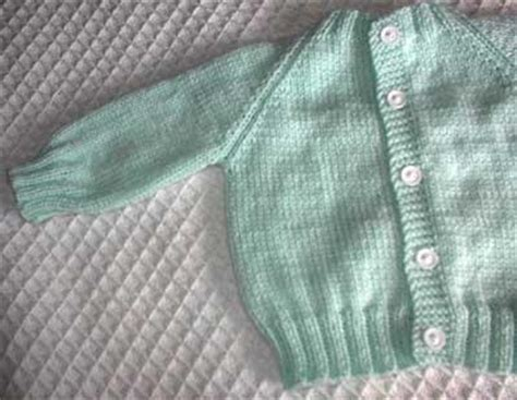easy knitted baby sweater patterns free top raglan baby sweater allfreeknitting