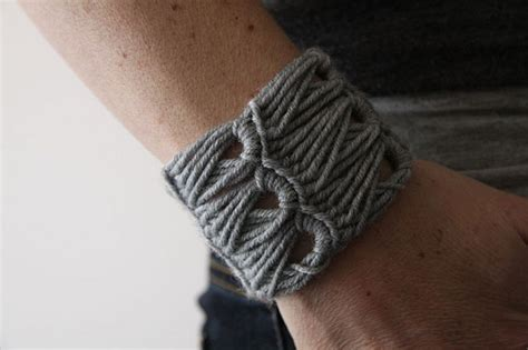 how to make lace jewelry awesome crochet bracelet tutorials the beading gem s journal