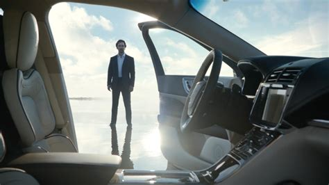 Matthew Mcconaughey New Lincoln Commercial by Matthew Mcconaughey Pitches 2017 Lincoln Continental In