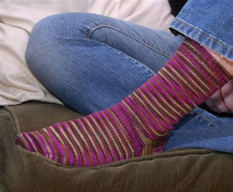simple sock knitting patterns beginner best 25 knit sock pattern ideas on how to