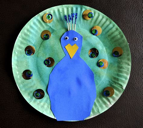 paper plate craft work paper plate peacock i crafty things