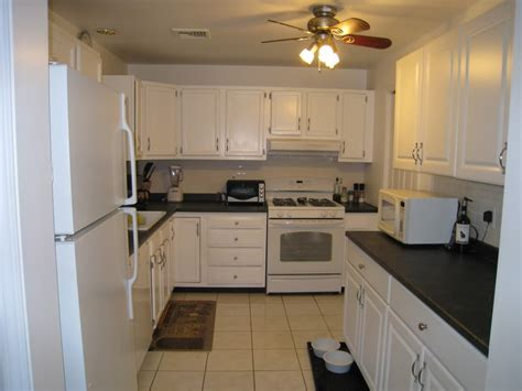 white kitchen cabinets lowes best kitchen cabinets lowes myideasbedroom