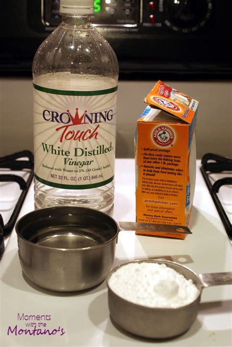 unclog kitchen sink vinegar baking soda unclog a sink drain home remedies keep in