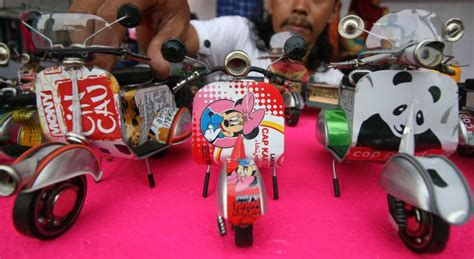 Modifikasi Vespa Kaleng by Cara Membuat Miniatur Motor Gp Dari Kaleng Bekas