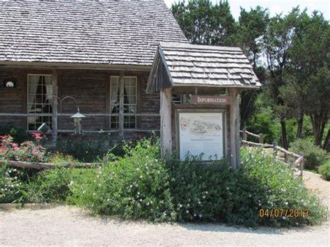 homestead heritage woodworking crafts elm mott tx