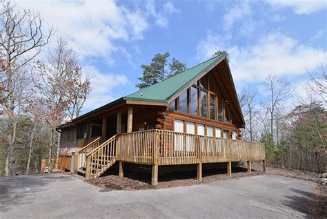 one bedroom cabins in pigeon forge tn two bedroom gatlinburg cabin rentals pigeon forge cabins