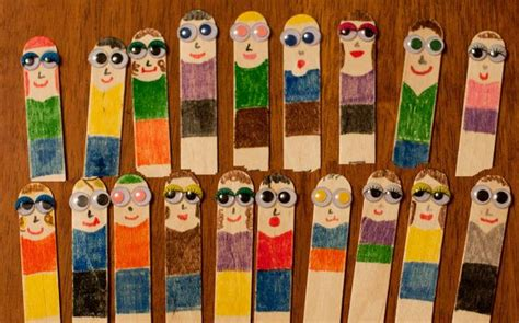 family themed crafts for make family members using popsicle sticks and googly