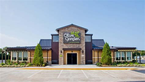 olive n garden olive garden turnaround helps lift darden profit above expectations