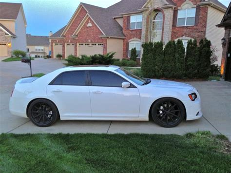 2005 Chrysler 300 Tire Size by Chrysler 300 Custom Wheels Vossen Cv1 22x9 0 Et Tire
