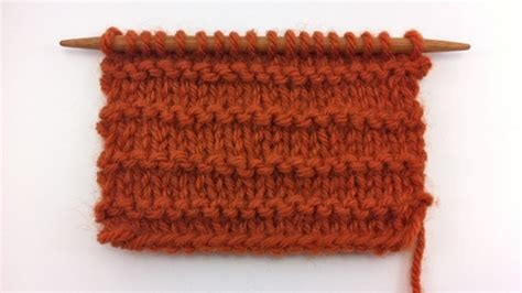 how to knit and purl in the same row the purl ridge stitch knitting stitch 35 new stitch