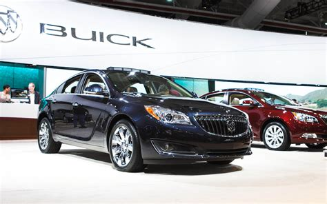 2014 Buick Regal Turbo by 2014 Buick Regal Turbo Front Three Quarters 2 Photo 9