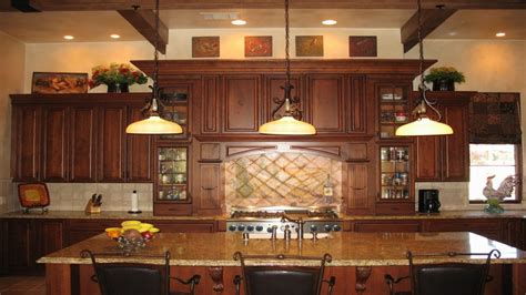 Top Of Kitchen Cabinet Decorating Ideas kitchen decor above cabinets decorating top of kitchen