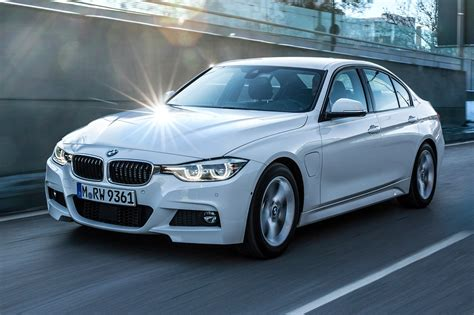 Bmw 3 Series Hybrid by Bmw 3 Series 330e 2016 In Hybrid Review By Car Magazine