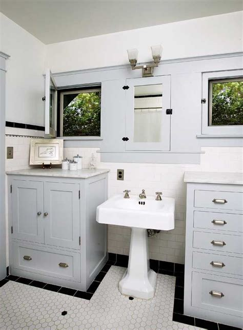 bungalow with and bathroom best 25 bungalow bathroom ideas on craftsman