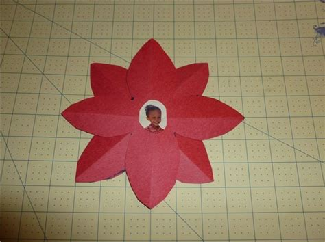 poinsettia craft project poinsettia craft for preschoolers preschool crafts