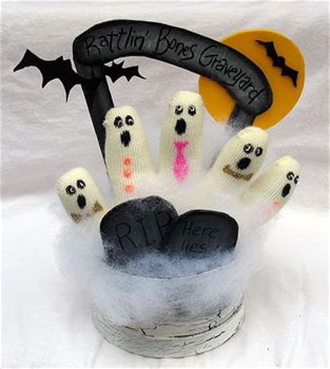 all free crafts knit glove ghosts
