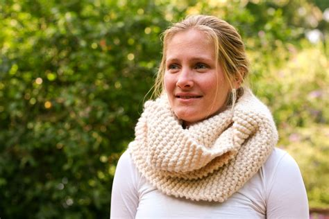 chunky knit cowl pattern the katy cowl an easy chunky knit pattern flax twine