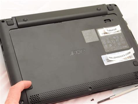 Rubber For Acer Laptop by Removing The Acer Aspire One A0722 Bottom Cover Access Panel
